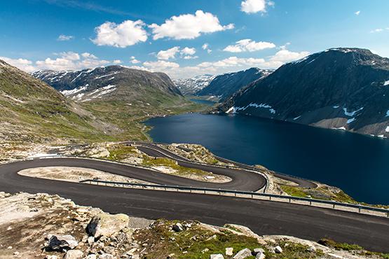 Stock Image Serpentine Road in Norway